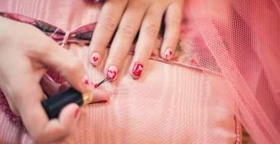 Renforcer ses ongles naturellement avec la biotine